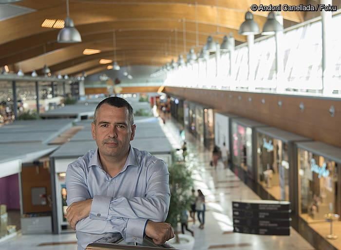 """Javier Colorado: """"Erosketak egiteko gunea baino gehiago da Urbil"""""""