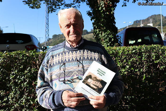 """Pello Joxe Aranburu: """"Baserriko biztanleen genealogia bat egitera ausartu naiz liburuan"""""""