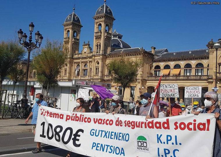 Pentsiodunak protestara itzuli dira