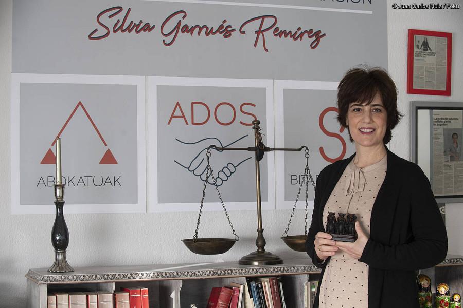 """Silvia Garrues: """"Senideen arteko gatazketan emozioak landu behar dira"""""""