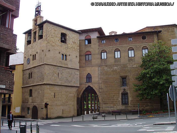 [Museora] Santa Maria la Real Monumentu Multzoa. Aztarnetatik, historia